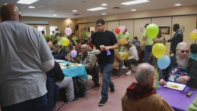 Volunteers help feed Easter lunch to the hungry