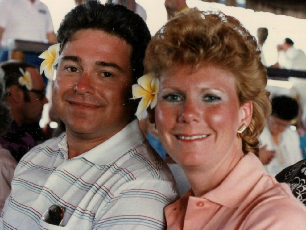Richard Hoagland is pictured together with his second wife Linda Iseler. (Photo//Hoagland Family/ABC)
